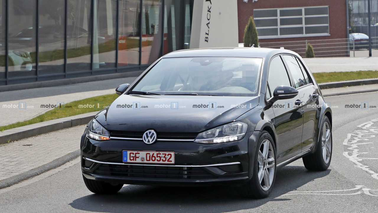 VW test mule spy photo