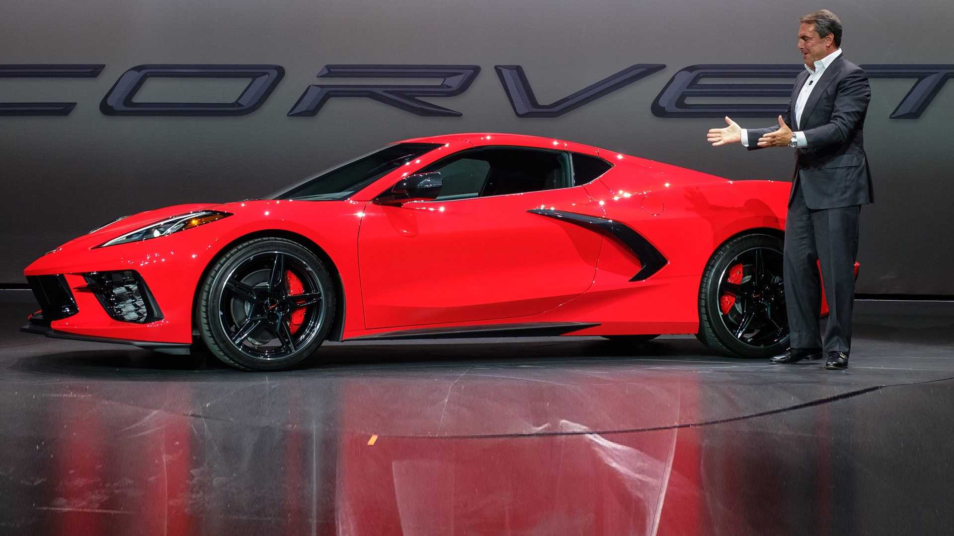 New Corvette Stingray >> Gm Explains How It Kept The 2020 Chevy Corvette Under 60 000