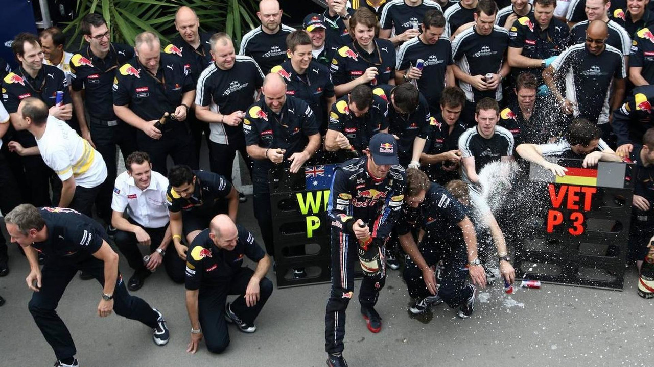 Mark Webber (AUS), Red Bull Racing celebrates with the team - Formula 1 World Championship, Rd 5, Spanish Grand Prix, Sunday Podium, 09.05.2010 Barcelona, Spain