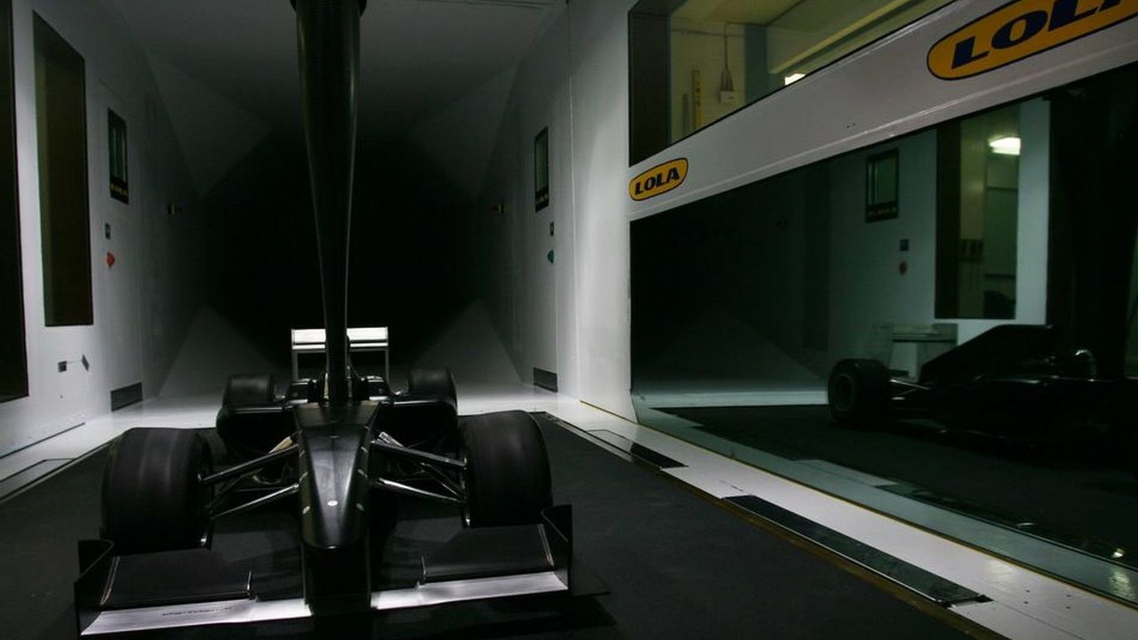 Lola MB01 Formula One model in the Lola windtunnel - 950 - 15.04.2010