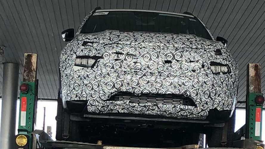 Flagra: Fiat Toro 2022 reestilizada aparece com faróis em LED