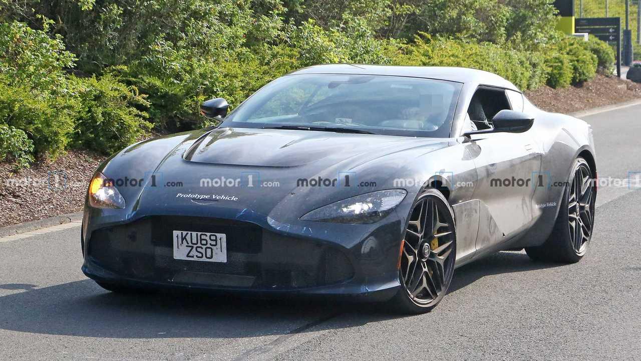 Aston Martin Zagato casus fotoğraf