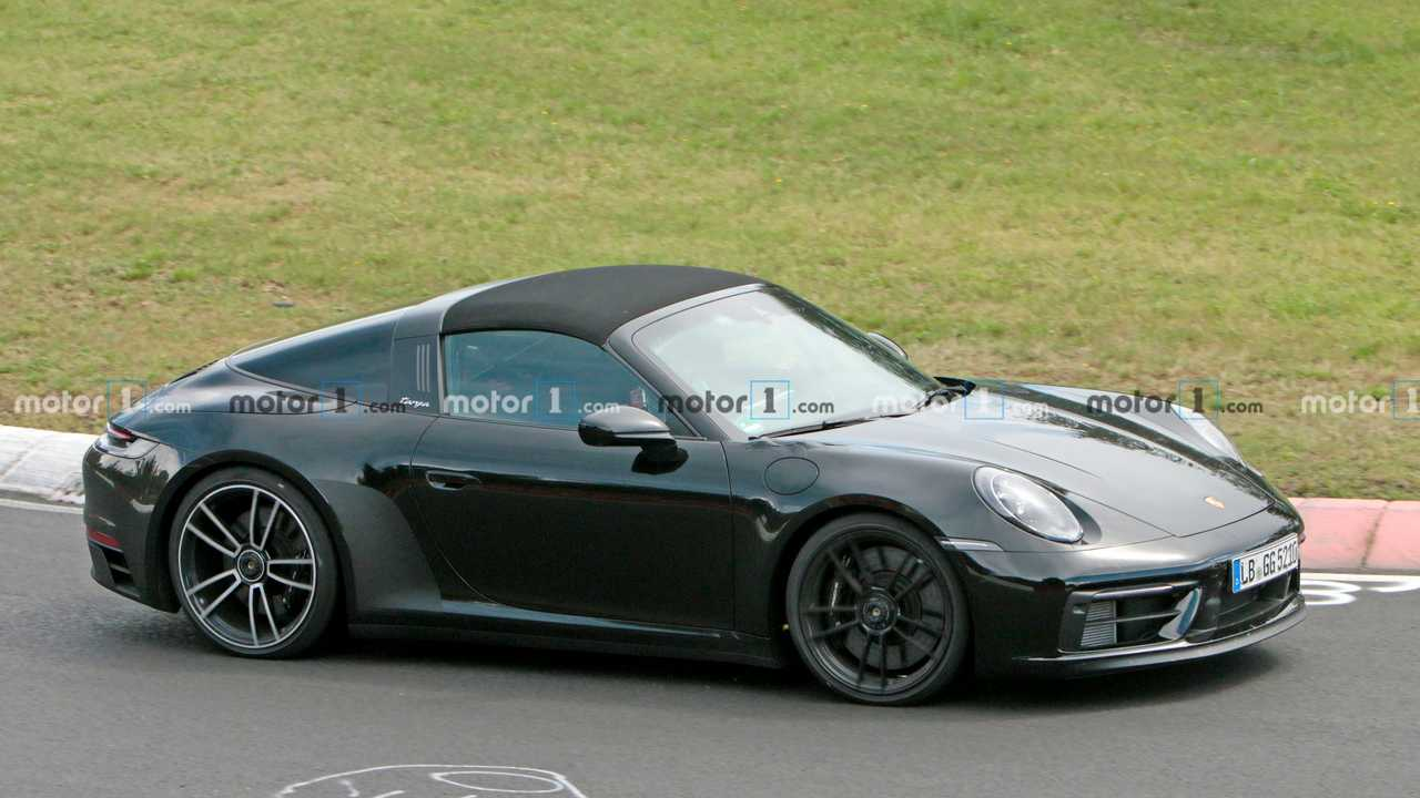Porsche 911 GTS Targa Side Spy Photo