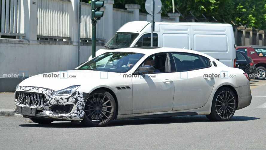 Maserati Quattroporte, nuove foto spia del restyling