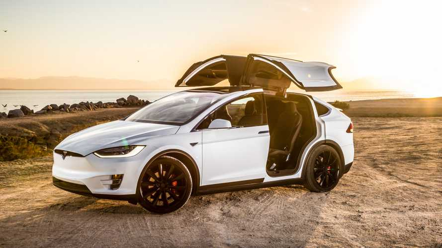 Tesla Model X e l'anello da 37.000 dollari rifiutato da Elon Musk