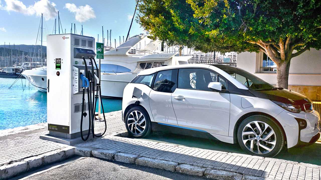 Efacec DC fast charger & BMW i3