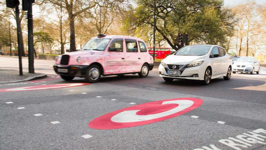 Inghilterra, stop alle auto con motore a scoppio nel 2040