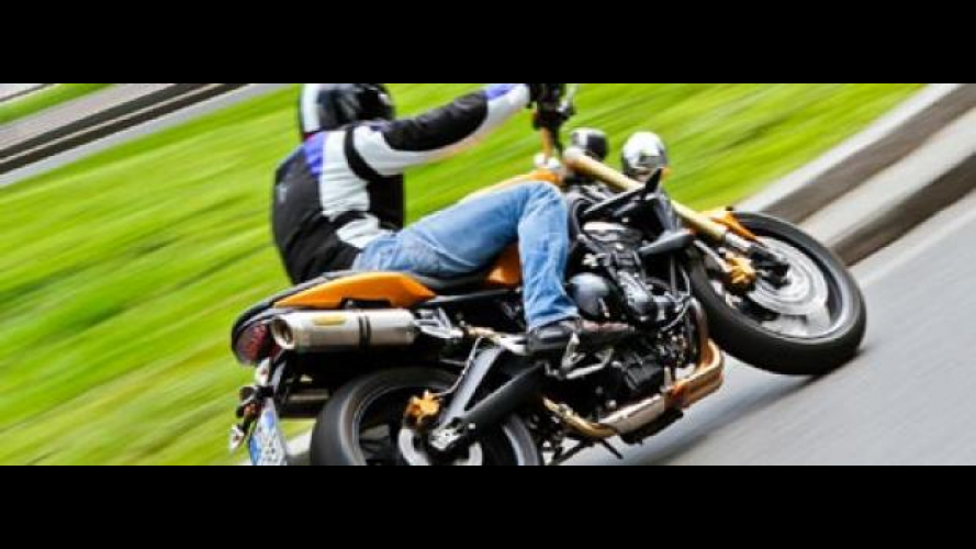 Triumph Street Triple 675 2010 - TEST