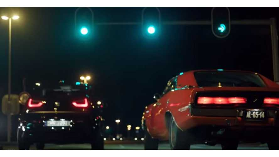 BMW i3S Drag Races Classic Dodge Charger - Video