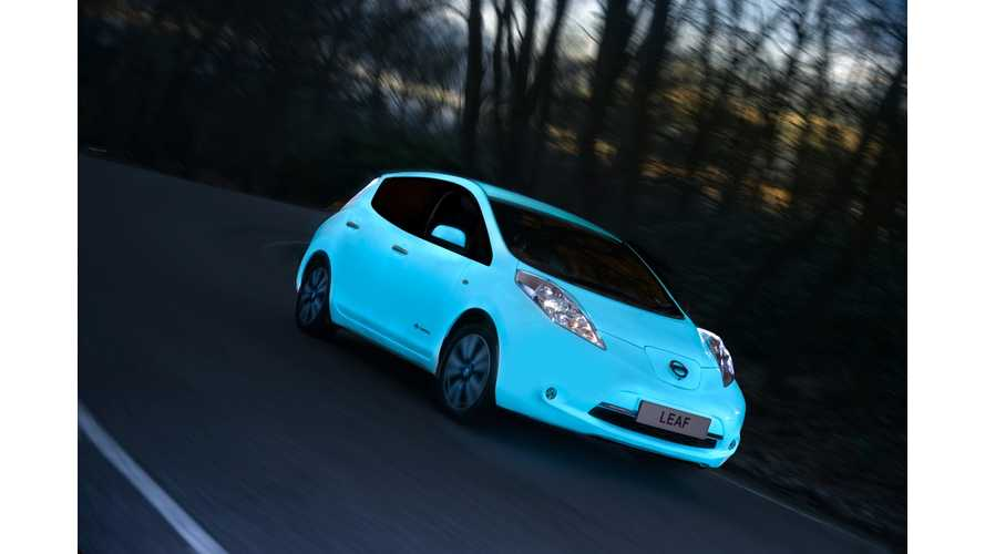 Nissan Shows Off Glow-In-The-Dark LEAF - Video