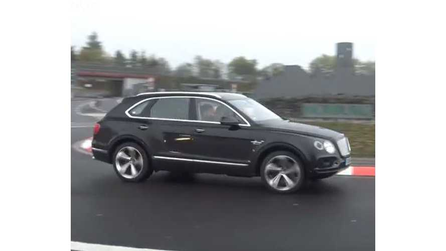 Bentley Bentayga Plug-In Hybrid Seen Testing - Spy Video