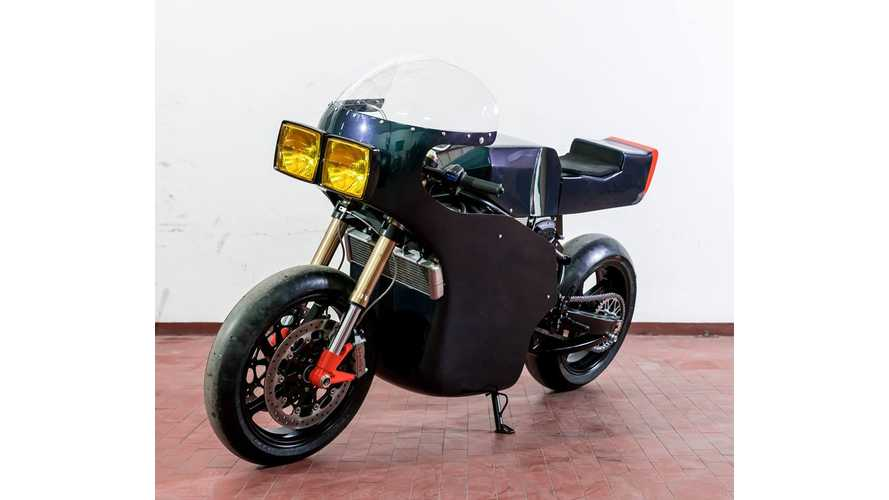 Midnight Runner Café Racer With Energica EVA Skeleton and Heart