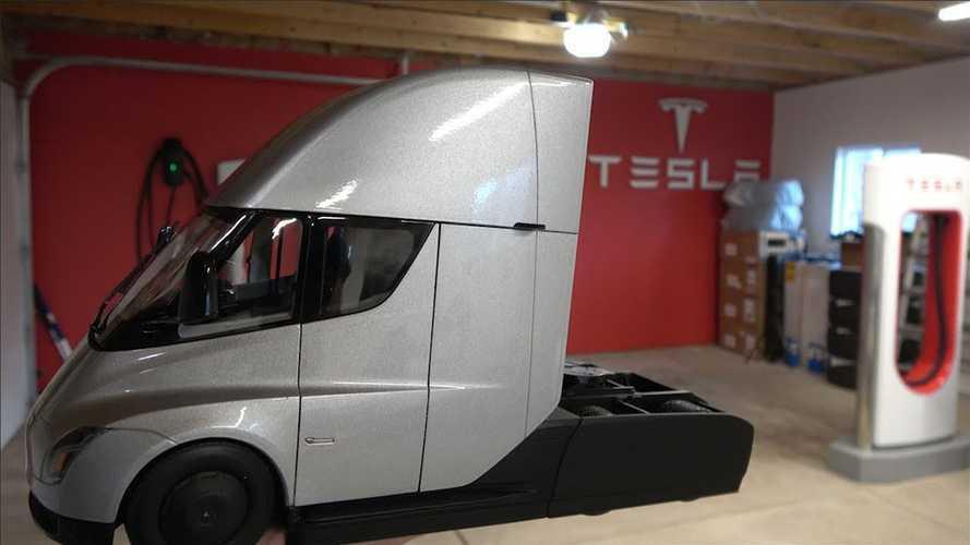 First Tesla Semi Truck Cast Gets Delivered Unboxing Video