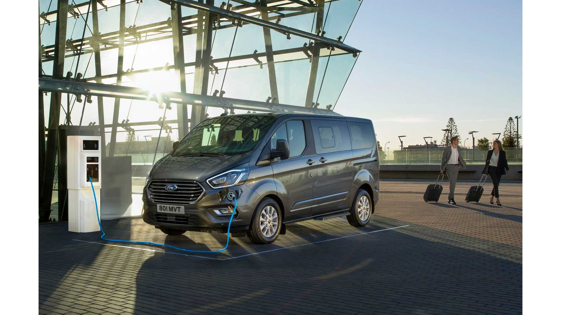 5b5eb2f2e8 Ford Tourneo Custom Plug-in Hybrid Van To Launch In Late 2019
