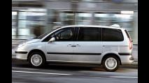 Peugeot 807: Aus 2 mach 1