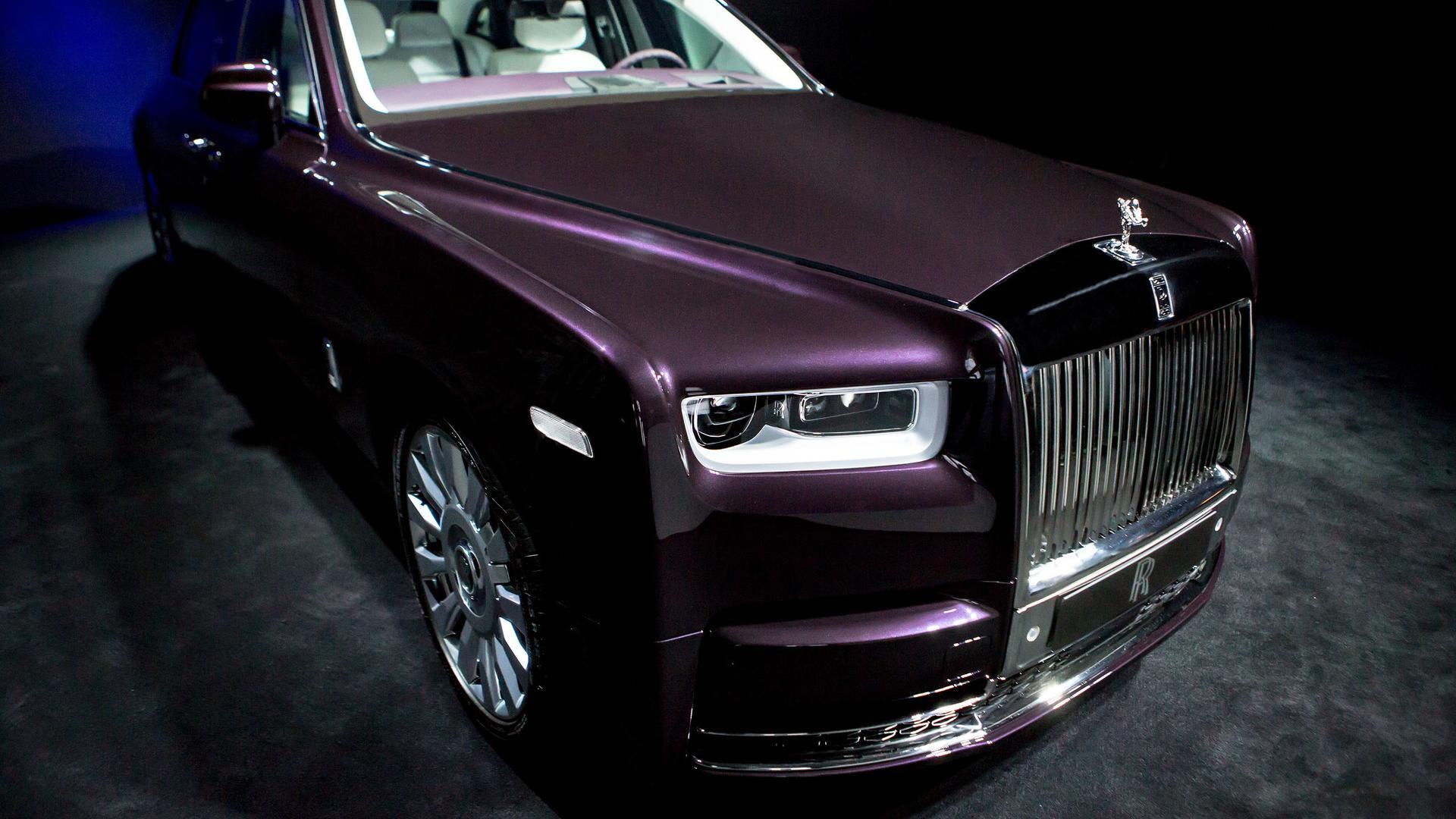 2018 Rolls Royce Phantom Motor1 Com Photos