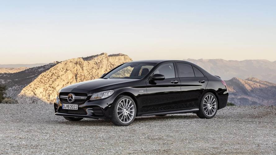 Mercedes-AMG C 43 4Matic, col restyling arriva a 390 CV