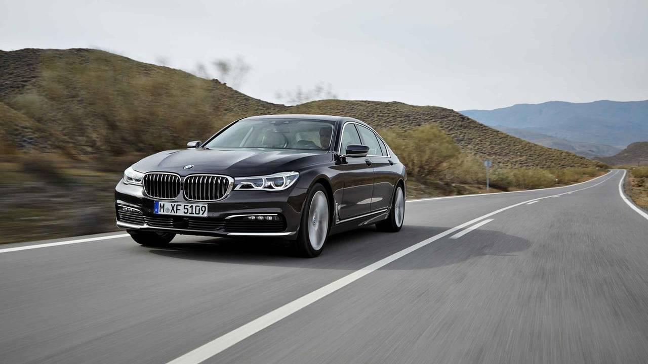 2016 World Luxury Car: BMW Serie 7