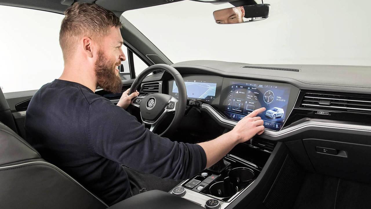 2019 VW Touareg - Innovision Cockpit