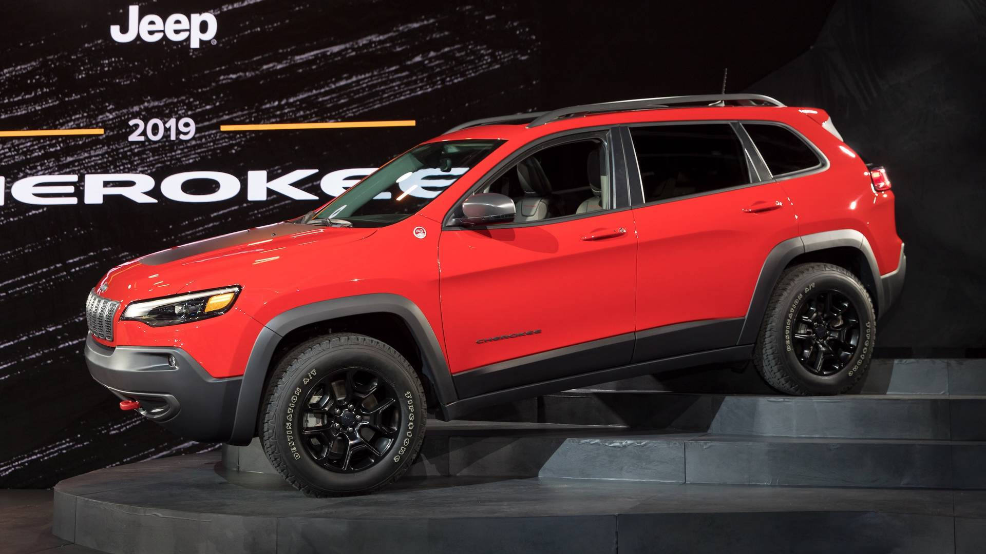 2019 Jeep Cherokee Gets A More Traditional Face Roomier
