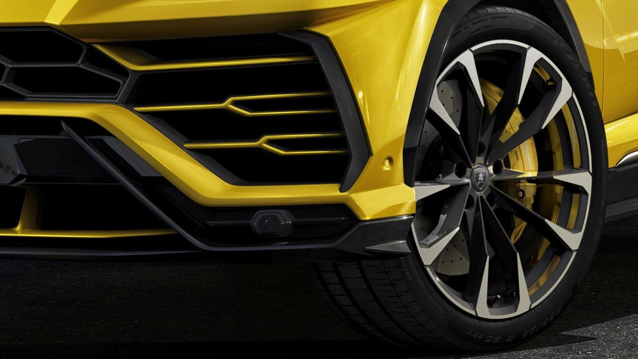 """[Copertina] - Lamborghini Urus, ruote da 23"""", ecco perché le dimensioni contano"""