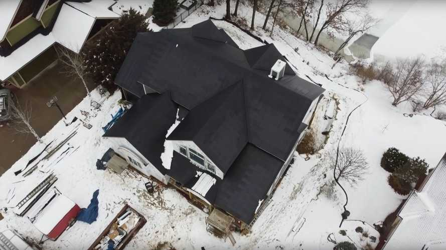 Tesla Solar Roof Even Removes Snow?!