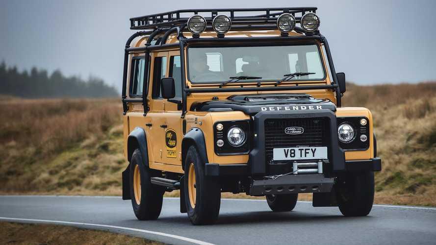Tutorial Membuat Land Rover Defender dari Kue Bolu, Serius?