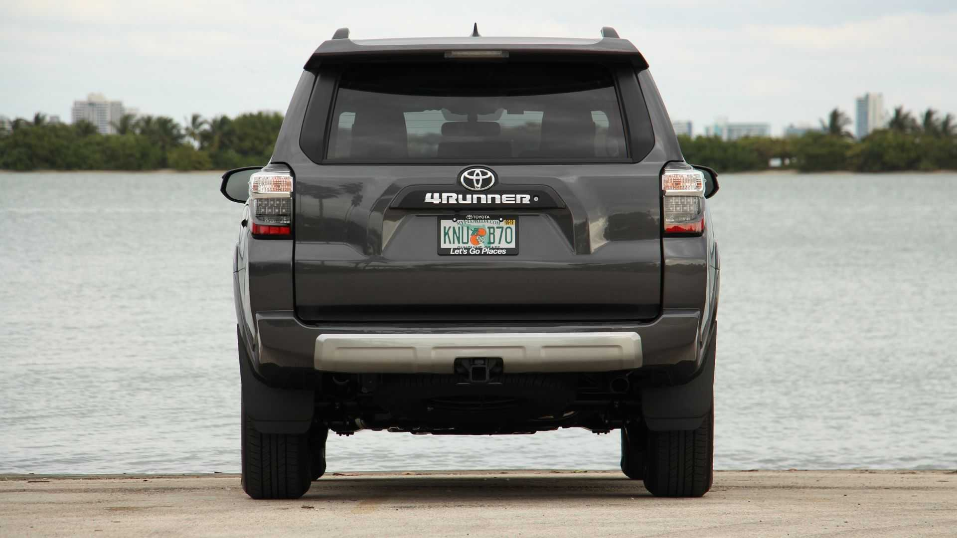 2019 Toyota 4Runner TRD Off-Road Review: Walking With Dinosaurs