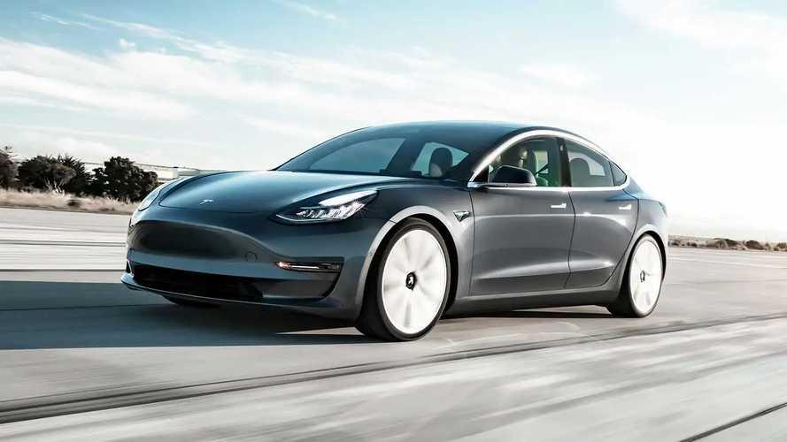 Mercato auto elettriche, a giugno boom della Tesla Model 3