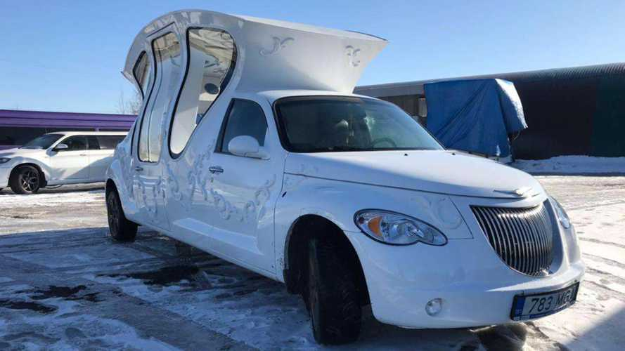 Un Chrysler PT Cruiser transformé en carrosse