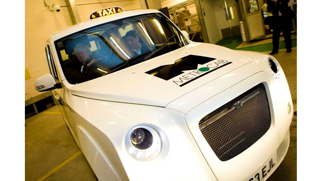 Ecotive Presents UK-Built Range-Extended Electric Metrocab to London Mayor (w/video)