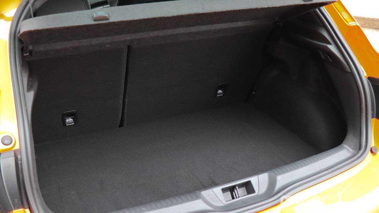 8.- Renault Mégane - 384 litros