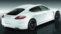 Panamera with 20-inch Panamera Sport wheels painted black