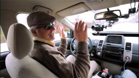 Auto che guida da sola, arrivano i taxi senza conducente di Google [VIDEO]