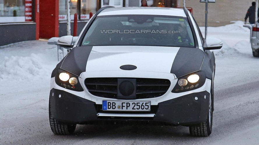 2015 Mercedes-Benz C-Class Estate spied testing [video]