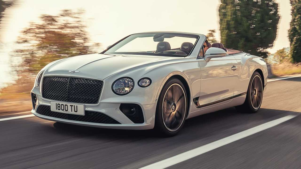 bentley continental gt convertible  635 cv e vento tra i capelli