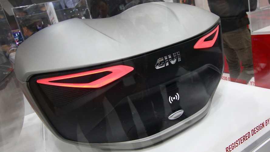 GIVI muestra sus soluciones de futuro para la moto