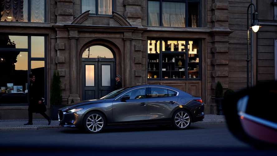Стали известны рублевые цены на Mazda 3 в кузове седан