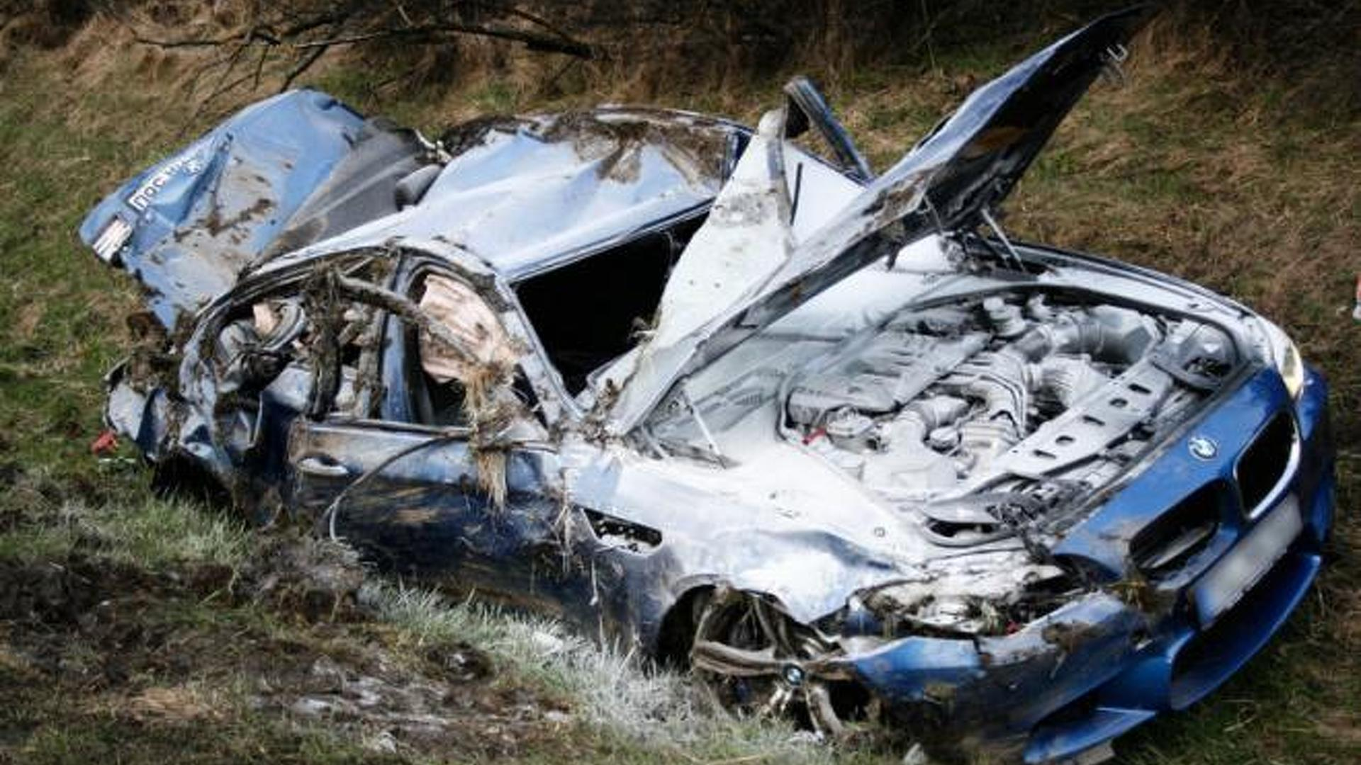 Bmw M5 Crashes In Germany At 300 Kmh 186 Mph