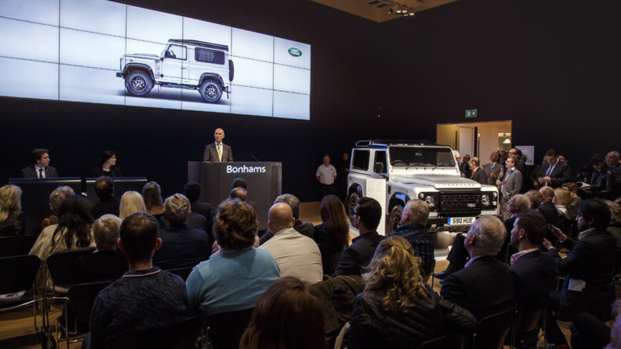 Land Rover Defender 2.000.000 all'asta