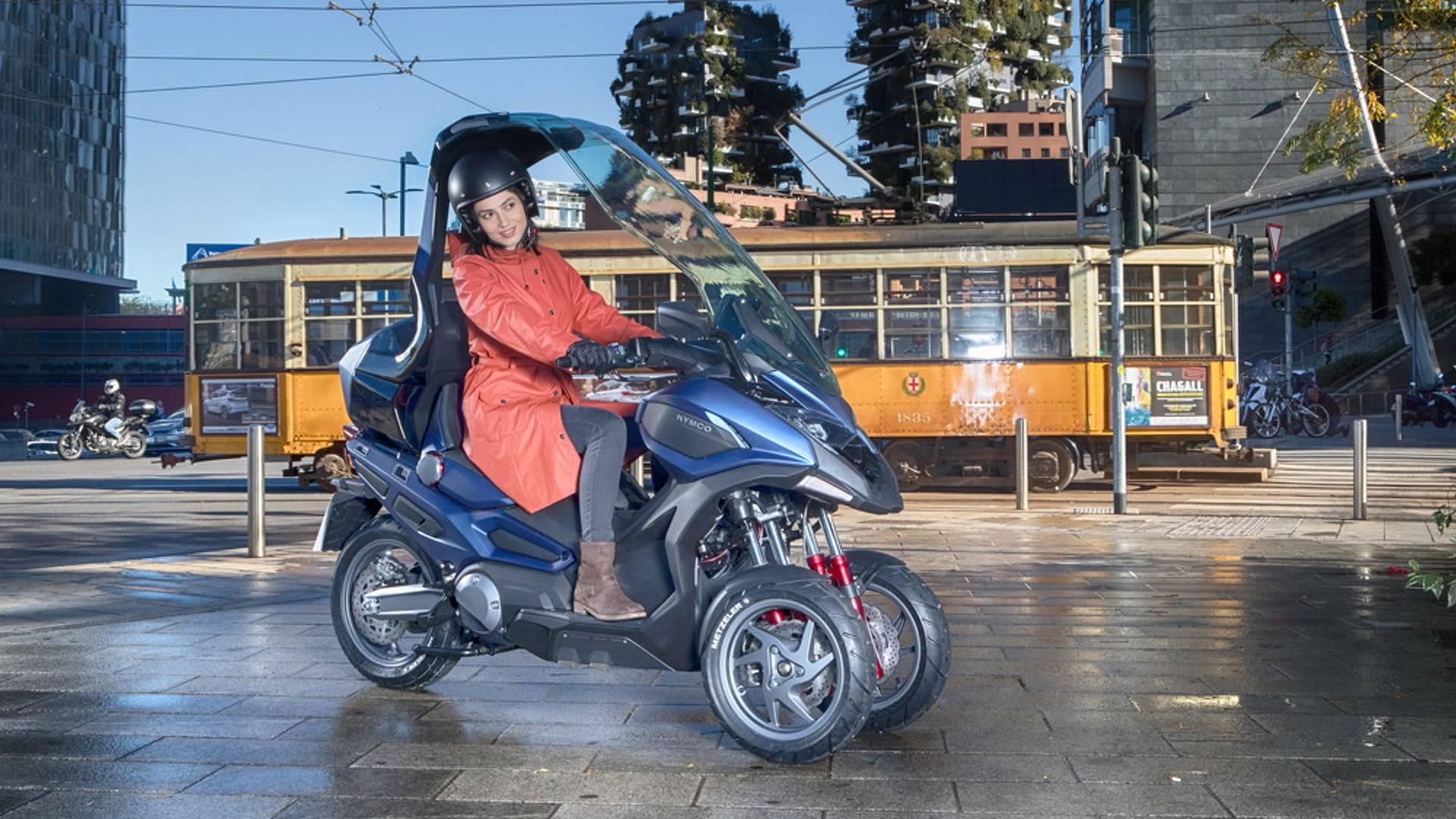 Kymco : un prototype 3R sera présenté à Milan. - Page 2 Kymco-concep-scooter-cv3