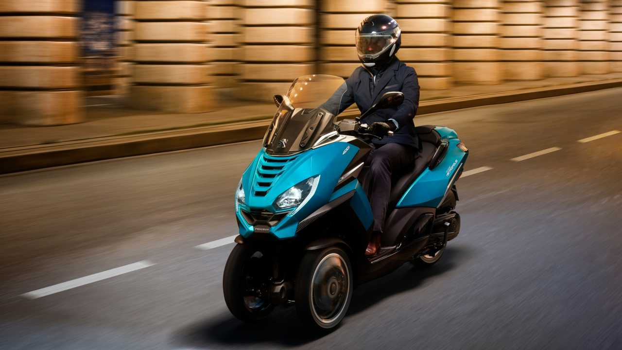 Peugeot Metropolis 2020: Der Dreiradroller im Einsatz (Bildquelle: Peugeot Motorcycles)