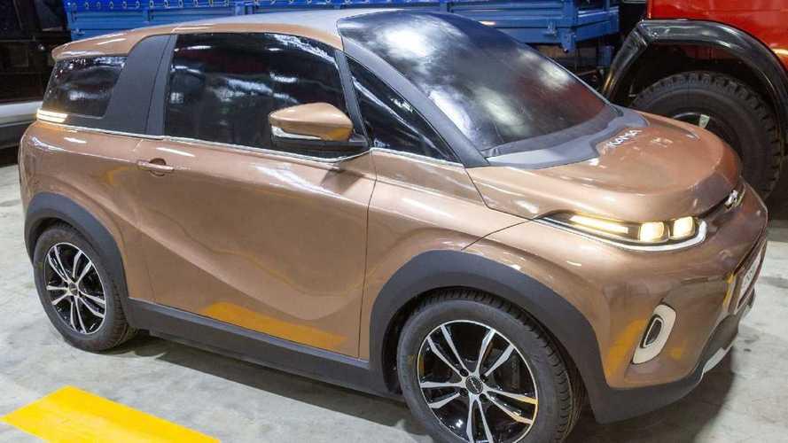Неожиданно: КамАЗ показал легковой электромобиль