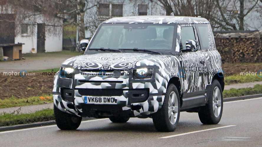 2021 Land Rover Defender 90 V8 spy photos