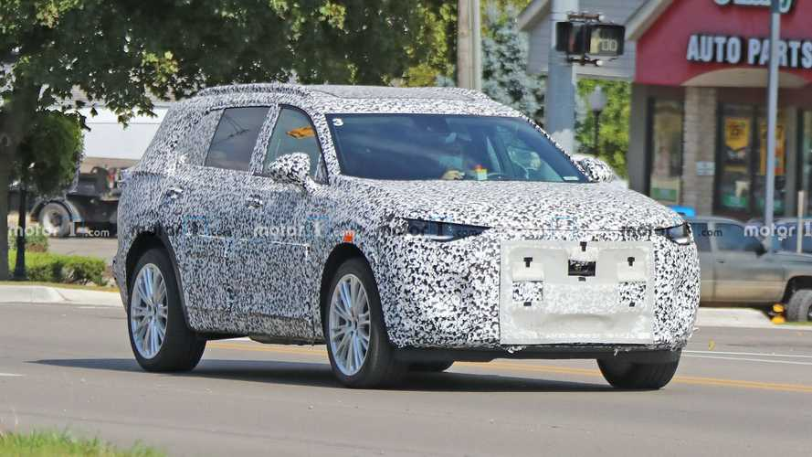 Three-Row 2022 Buick Envision GX Spied While Testing