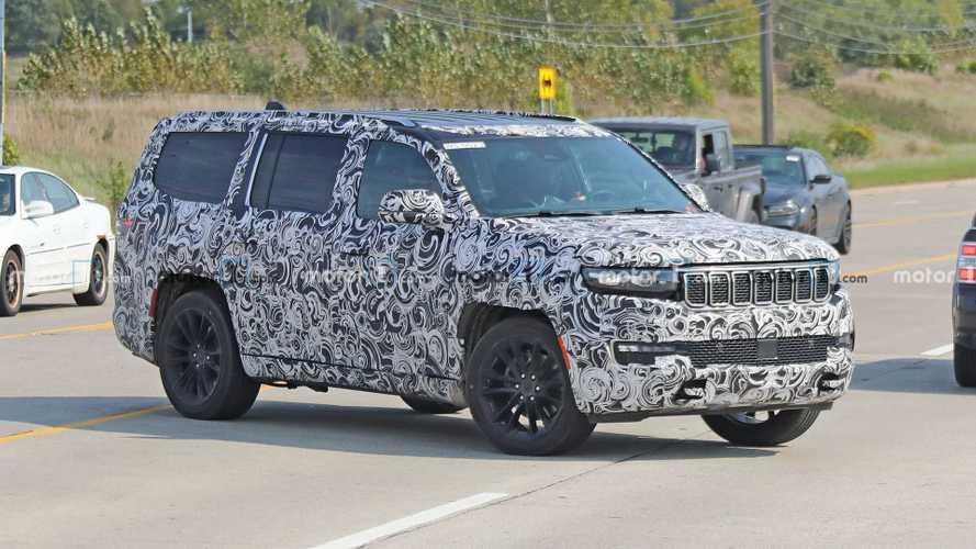 2022 Jeep Grand Wagoneer bir kez daha casus kameralara yansıdı!