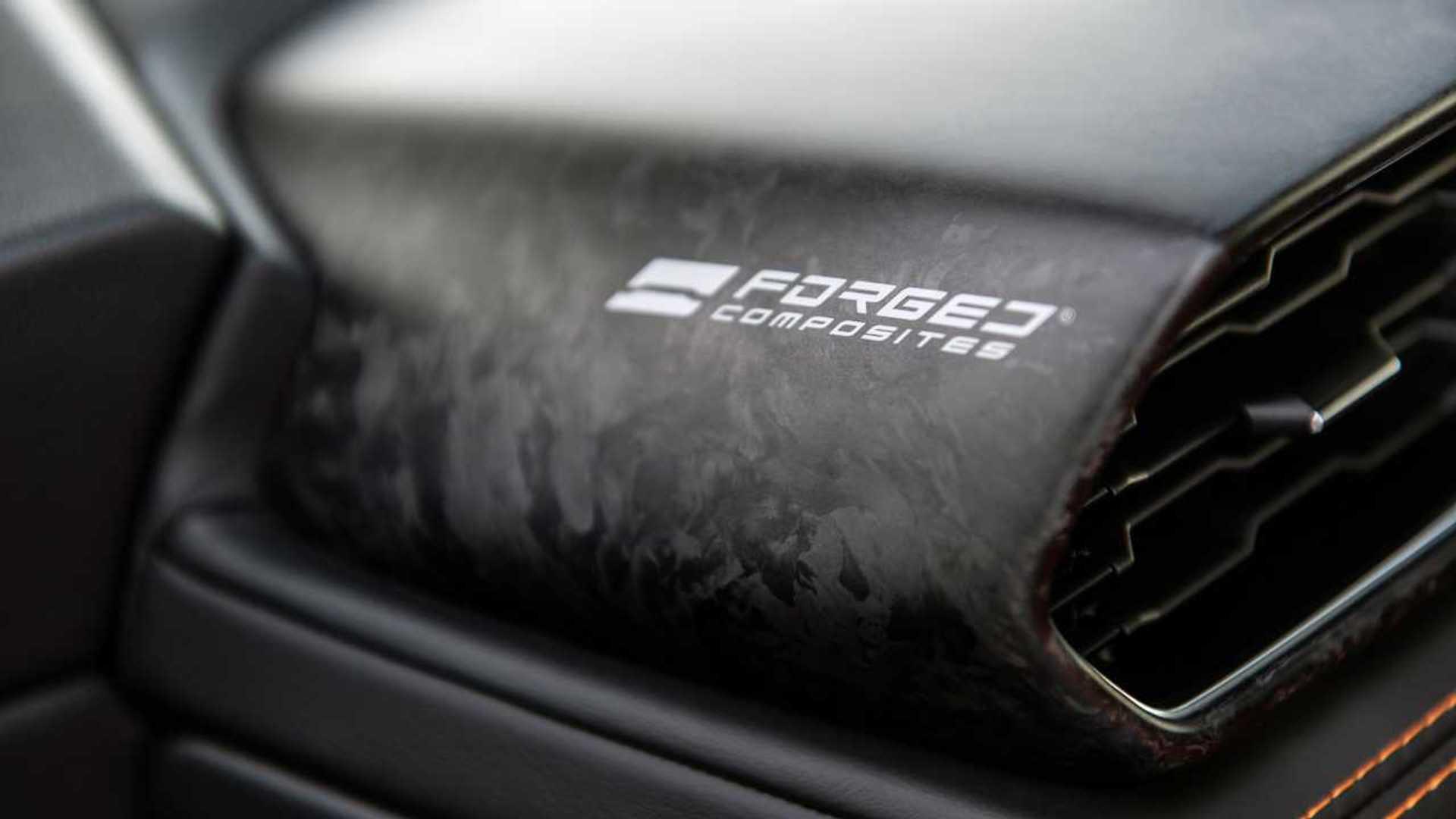 2020 Lamborghini Huracan Evo RWD dash detail