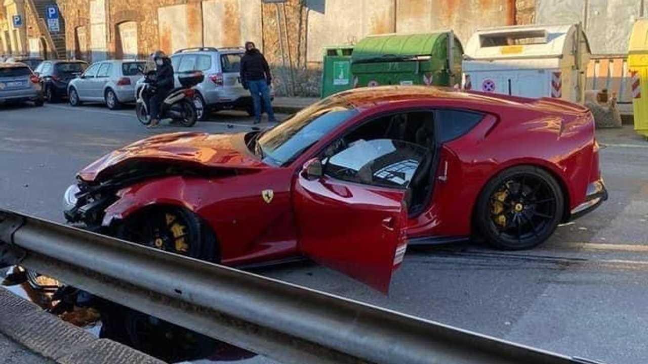 Accident Ferrari 812 Superfast