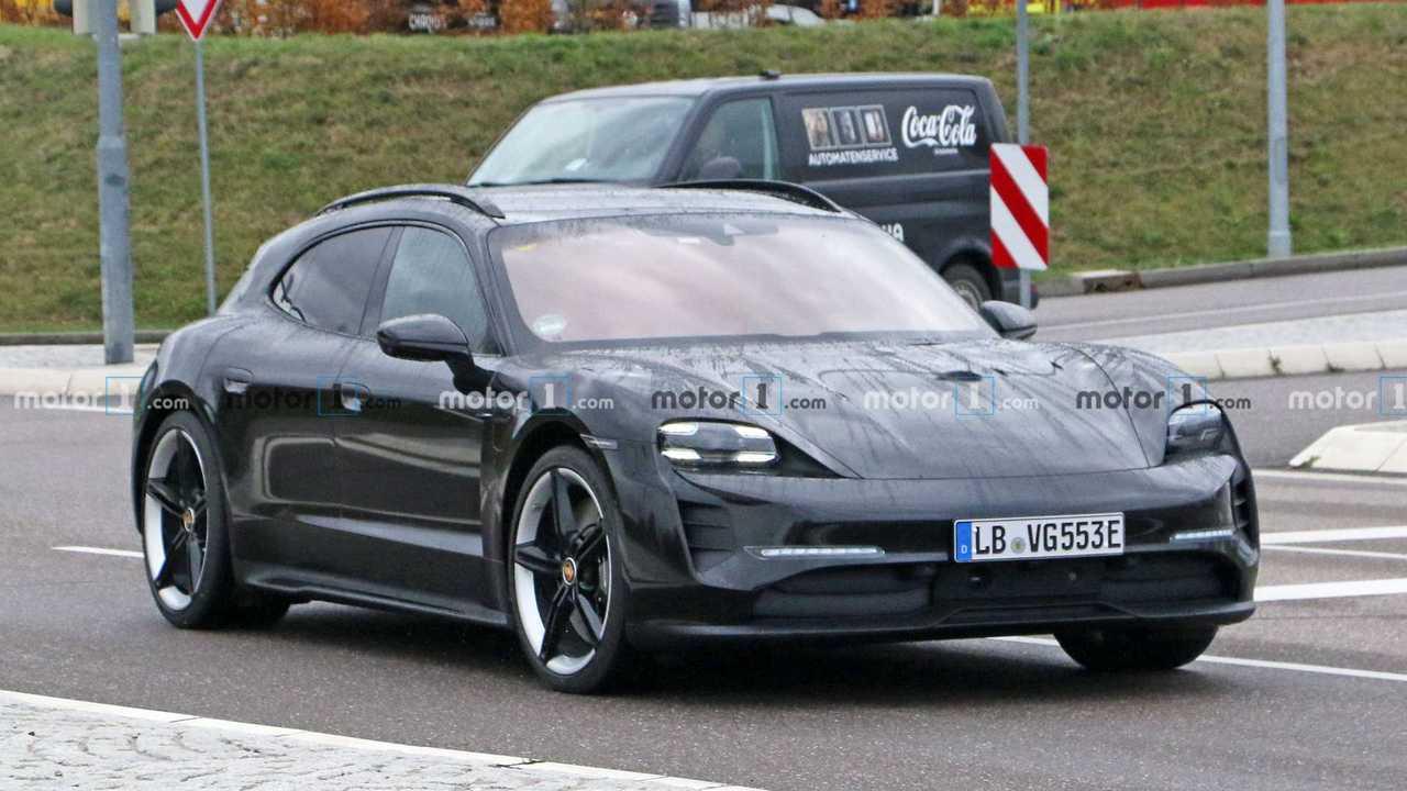 Porsche Taycan Cross Turismo (2021) praktisch ungetarnt