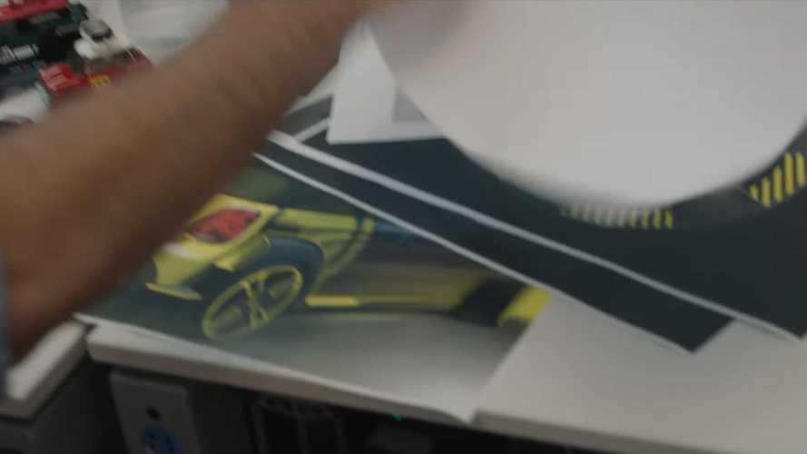 BMW iNext videosunda elektrikli Mini JCW GP detayı!